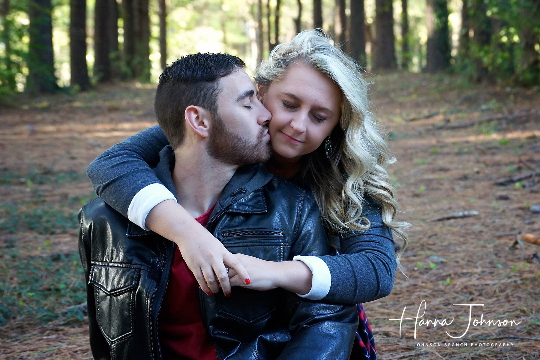 Lovely couple in Lexington, KY engagement photos